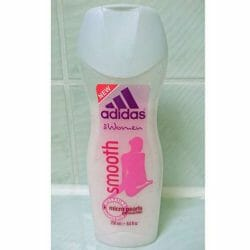 Produktbild zu adidas for women smooth shower milk with micro pearls