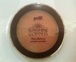 Produktbild zu p2 cosmetics sunshine goddess daily defense summer powder – Farbe: 020 sun tanned (LE)