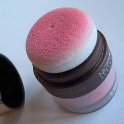 Produktbild zu NICKA K NEW YORK Colorluxe Powder Blush – Farbe: NY065 Romantic