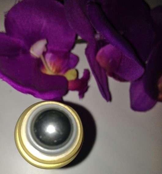 être belle Golden Skin Caviar Eye Roll-on