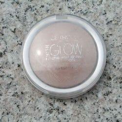 Produktbild zu Catrice High Glow Mineral Highlighting Powder – Farbe: 010 Light Infusion