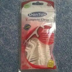Produktbild zu DenTek Complete Clean Zahnseide + Sticks