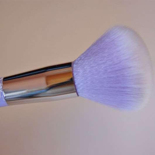 essence powder brush (lila)
