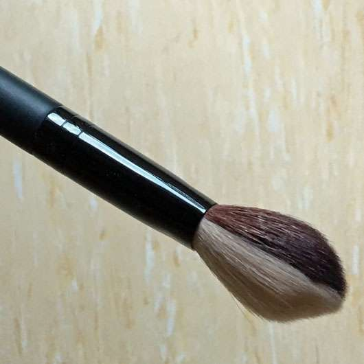 <strong>bareMinerals</strong> Dual-Finish Blush & Contour Brush