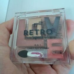 Produktbild zu p2 cosmetics retro repeats 4in1 cream eye shadow – Farbe: 010 vintage vibes (LE)