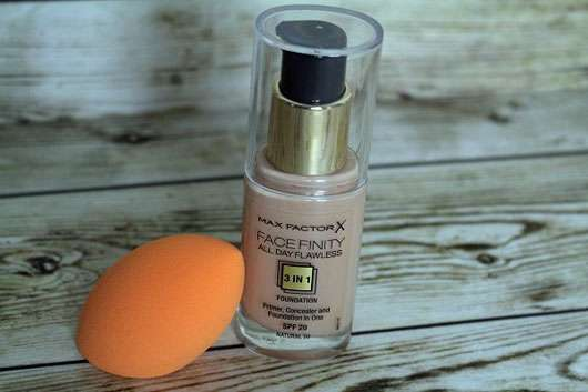 Max Factor Face Finity All Day Flawless 3in1 Foundation, Farbe: Natural 50-Flakon