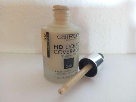 catrice-hd-liquid-coverage-foundation-farbe-010-light-beige-lu-3