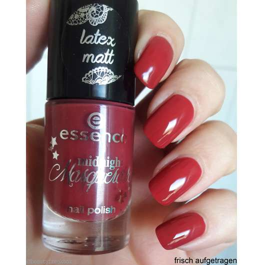 essence midnight masquerade nail polish, Farbe: 03 a vampire kissed my neck (LE)