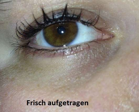 Max Factor Voluptuous False Lash Effect Mascara Waterproof frisch aufgetragen