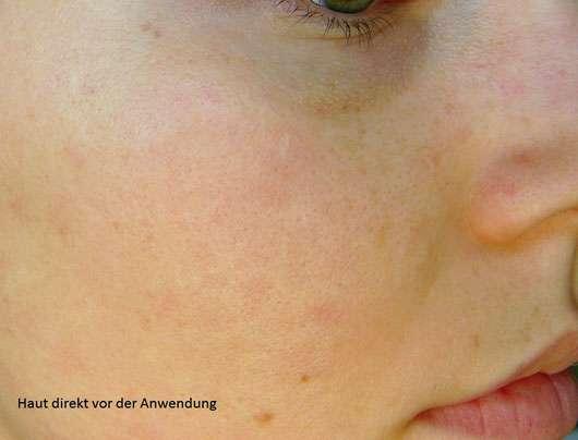 """Origins RitualiTea """"Matcha Madness"""" Revitalizing Powder Face Mask - Haut direkt vor der Anwendung"""