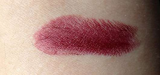 BeYu Pure Color & Stay Lipstick, Farbe: 136 Ruby Rebel - Swatch