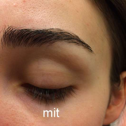 essence make me brow eyebrow gel mascara, Farbe: 02 browny brows auf den Brauen