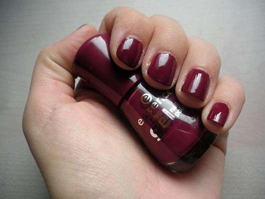 essence the gel nail polish, Farbe: 73 more than a feeling - Farbeindruck auf den Nägeln