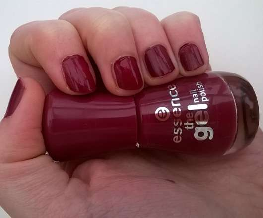 essence the gel nail polish, Farbe: 73 more than a feeling auf den Fingernägeln