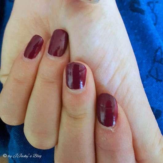 just cosmetics vivacious beauty gaucha's choice velvet nail polish, Farbe: 020 romantic purple (LE) - auf den Nägeln