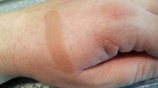 Max Factor Miracle Touch Foundation, Farbe: 070 Natural-swatch