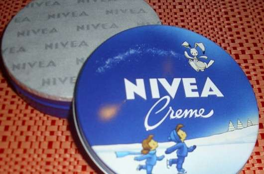 NIVEA Creme -geöffneter Tiegel