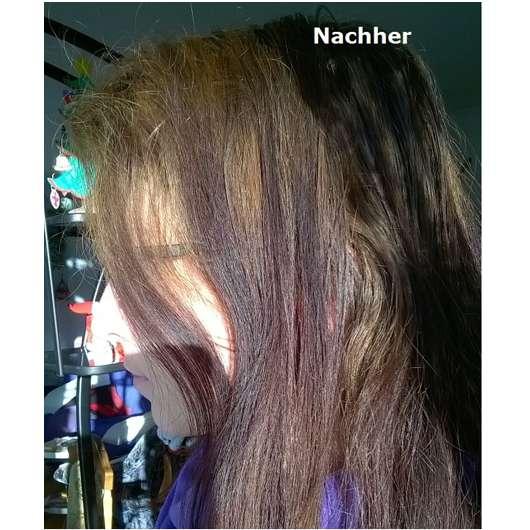 Haare nach dem Waschen mit dem NIVEA Haarmilch Rundum-Pflege-Shampoo
