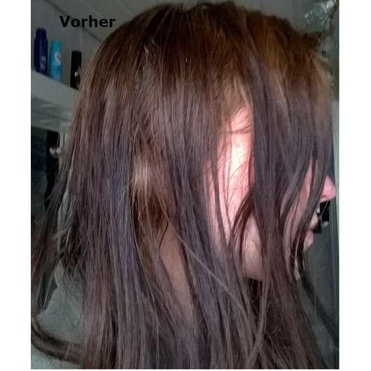 Haare vor dem Waschen mit dem NIVEA Haarmilch Rundum-Pflege-Shampoo