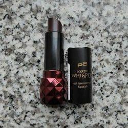 Produktbild zu p2 cosmetics mystic whisper lost innocence lipstick – Farbe: 020 poisoned grape (LE)