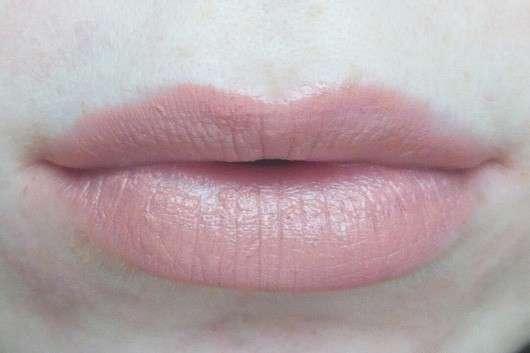 Sleek MakeUP Lip VIP Lipstick, Farbe: 1002 Private Booth auf den Lippen