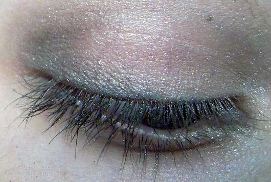 The Body Shop Down to Earth Quad Palette, Farbe: 03 Grey - auf dem Auge