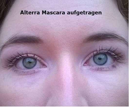 Alterra Perfect Lash Mascara, Farbe: 01 Black aufgetragen