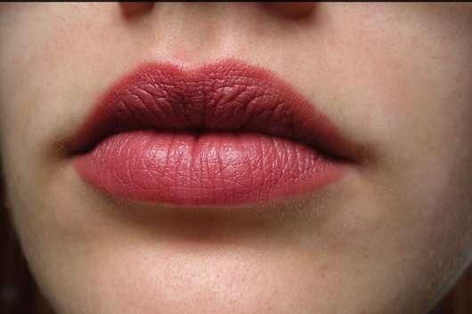 ASTOR Soft Sensation Lipcolor Butter Matte, Farbe: 027 Elegant Nude auf den Lippen
