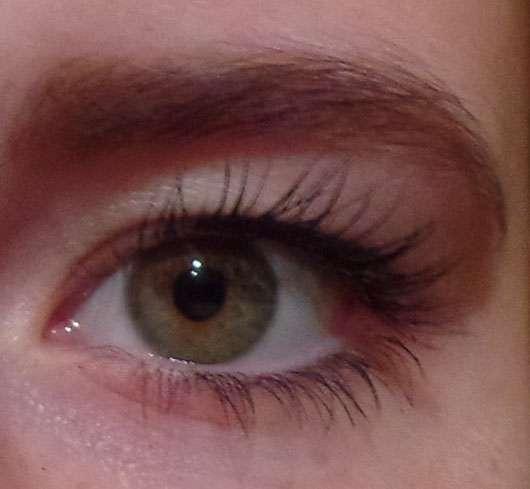 Catrice Sensitiv' Eyes Volume Mascara, Farbe: 010 Black nach dem Auftragen