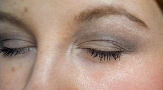 Douglas Make-up Rounded Eye Shadow Blending Brush - Lidschatten mit Pinsel verblendet