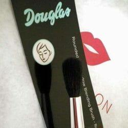 Produktbild zu Douglas Make-up Rounded Eye Shadow Blending Brush