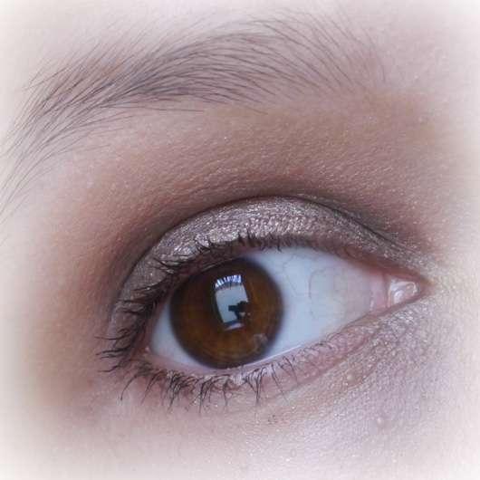 Makeup Revolution Redemption Palette Ionic 1auf dem Lid