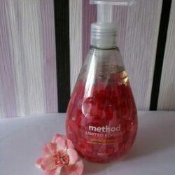 Produktbild zu method pomegranate naturally derived hand wash (LE)