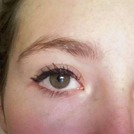 trend IT UP Intense Color Eyeliner Waterproof, Farbe: 040 - auf dem Auge aufgetragen