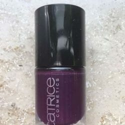 Produktbild zu Catrice Ultimate Nail Lacquer – Farbe: 121 Plump Around