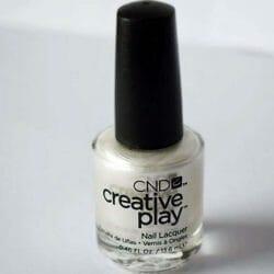 Produktbild zu CND CREATIVE PLAY Nail Lacquer – Farbe: Su-Pearl-Ative