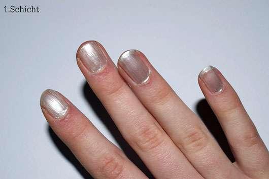 CND CREATIVE PLAY Nail Lacquer, Farbe: Su-Pearl-Ative - Erste Schicht auf den Nägeln
