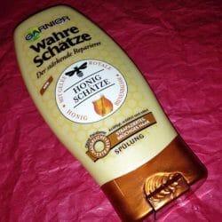 Produktbild zu Garnier Wahre Schätze Der stärkende Reparierer Spülung Honig-Geheimnisse