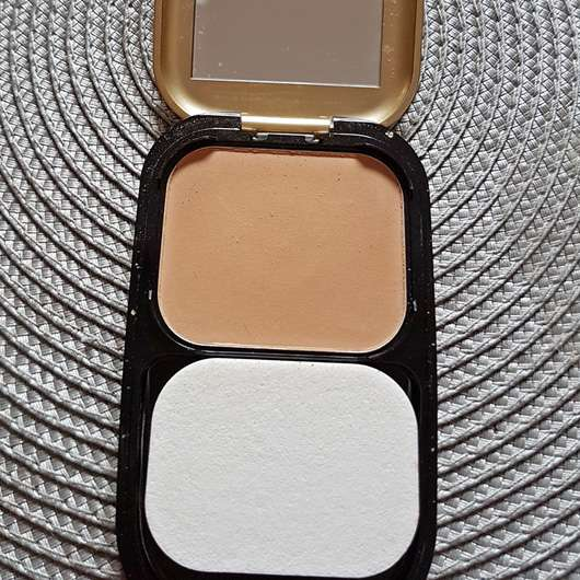 <strong>Max Factor</strong> Facefinity Compact Make-up - Farbe: 06 Golden