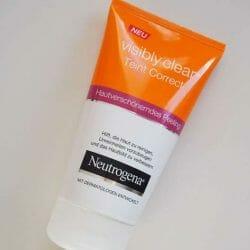 Produktbild zu Neutrogena Visibly Clear Teint Correct Hautverschönerndes Peeling