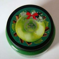 Produktbild zu The Body Shop Spiced Apple Exfoliating Sugar Body Scrub (LE)
