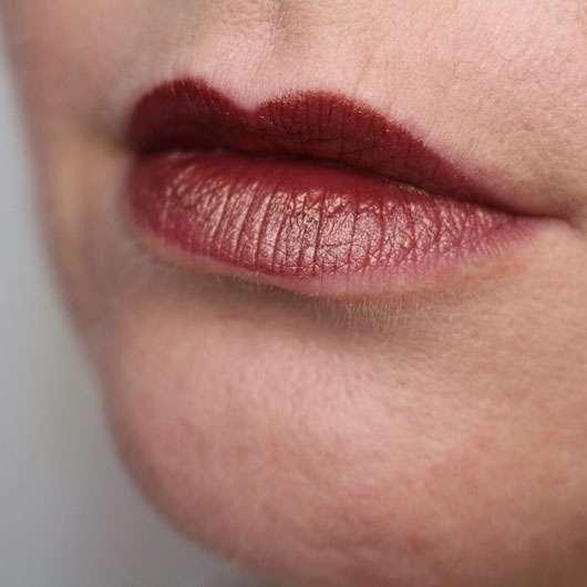 Urban Decay VICE Lipstick, Farbe: Conspiracy (Metallized Finish) - auf den Lippen