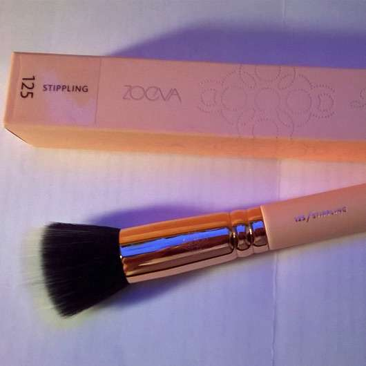 <strong>ZOEVA</strong> 125 Stippling Brush Rose Golden Vol. 2