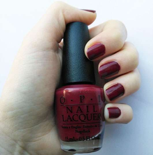 OPI Nail Lacquer, Farbe: NLW64 We The Female (LE) auf den Nägeln