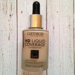 Produktbild zu Catrice HD Liquid Coverage Foundation – Farbe: 010 Light Beige