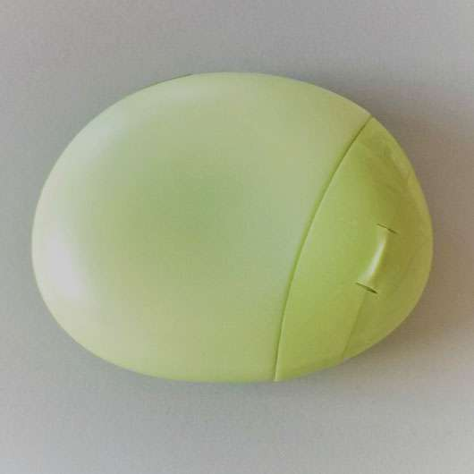 <strong>eos</strong> cucumber hand lotion