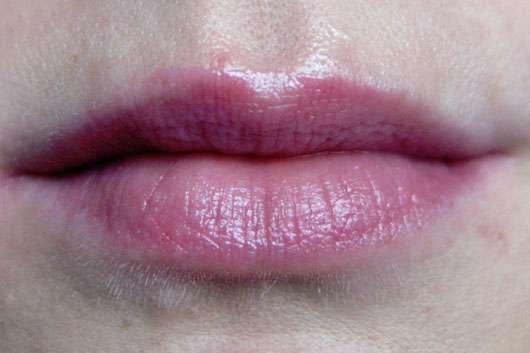 eos Smooth Spheres Organic Lip Balm, Sorte: Sweet Mint - auf den Lippen aufgetragen