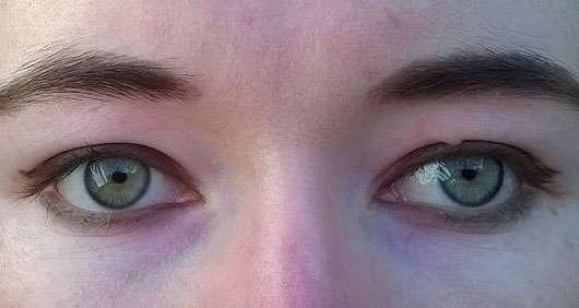 Misslyn made to stay eyeliner, Farbe: 171 garden party (LE) - auf den Augen aufgetragen