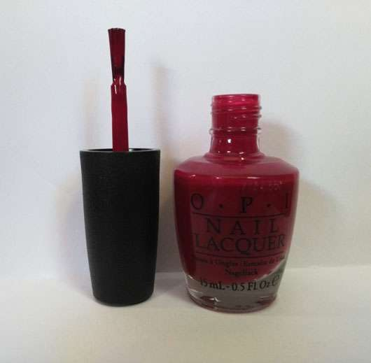 OPI Nail Lacquer, Farbe: NLW64 We The Female (LE) Pinsel und Öffnung