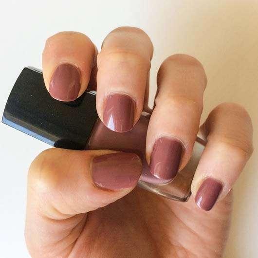 ARTDECO Art Couture Nail Lacquer - Farbe: 780 bouquet auf den Fingernägeln